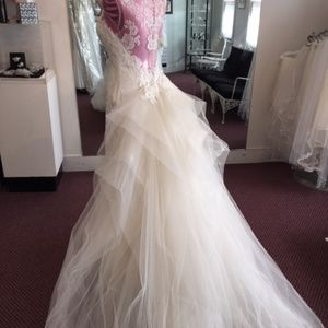 Size 10, Ivory/ Pearl Bridal Gown